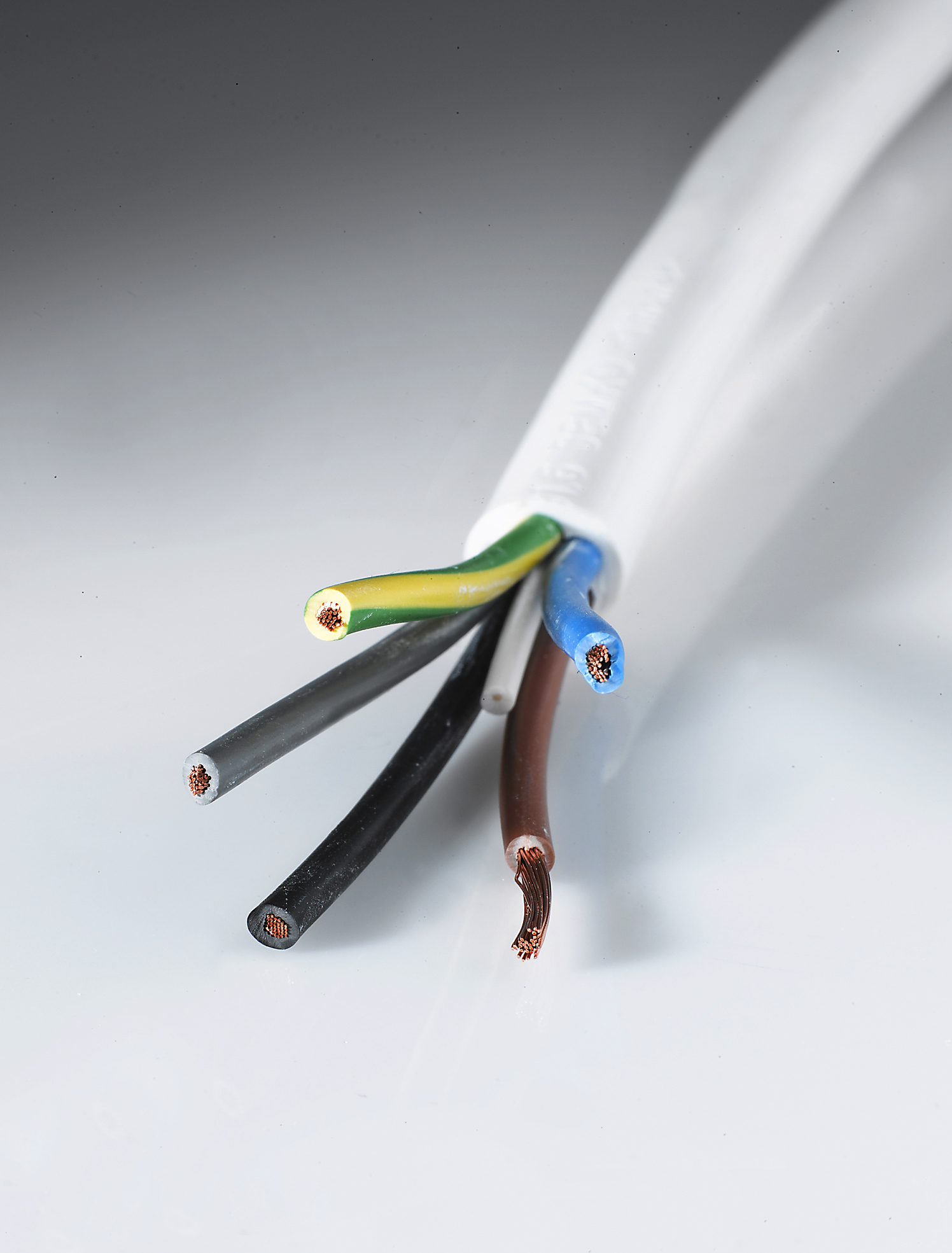 Flexible appliance and harmonized cable